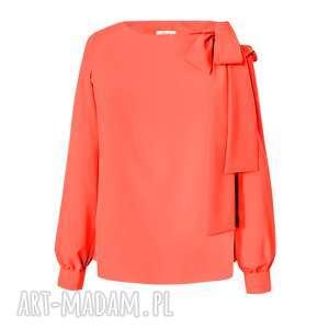 koralowa bluzka damska wiązana na kokardę, wiązana, z kokardą