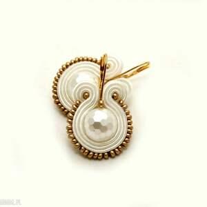 białe kolczyki sutasz, soutache, sznurek, ślubne, wesele, ślub, eleganckie