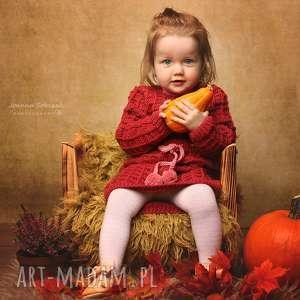 Sukienka Malinowa z Pomponikami Merynos Dziecięca, sukienka, wełniana, ciepła