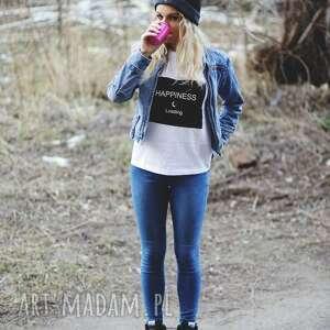 Niebanalna biała koszulka top z napisem wywijany rękaw koszulki