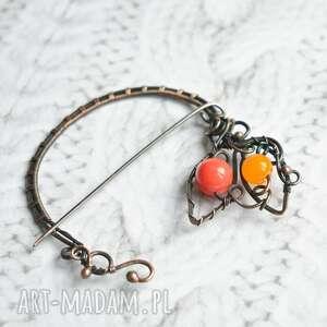 handmade broszki atandil - broszka do szala, swetra w pomarańczach