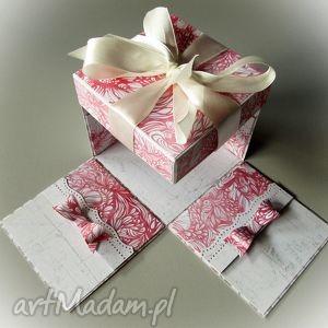 nietypowa kartka - pudełko w różu, ślub, pudełko, kartka, nietypowa, uniwersalna
