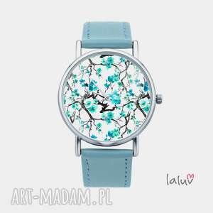 zegarek z grafiką lazur, kwiaty, drzewo, japoniski, kwitnąca, wiśnia, prezent