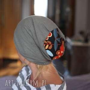 czapka damska widać na rentgenie że jest bity w ciemie, wzory, czapka