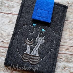 filcowe etui na telefon - zakochane koty, etui, telefon, smartfon, haft, kotki