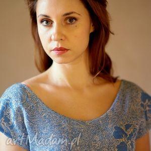sukienki bombka niebiesko-biała, zwiewna, lekka, niebieska, elegancka