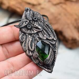 wisiorki wisiorek sowa z ciemnozielonym kryształem, sowa, zawieszka