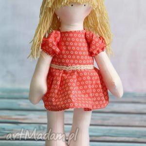 basia - lalka samodzielnie stojąca i siedząca lalki - przytulanka