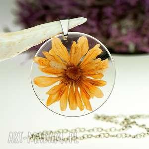 Naszyjnik z prawdziwymi kwiatami zatopionymi w żywicy z1488