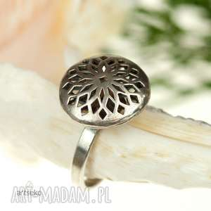 srebrny, ażurowy oksydowany pierścionek a421 - pierścionek srebrny
