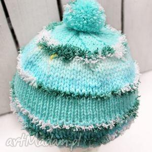 turkusowa czapka, pompon, wełna, szydełko, dziecko