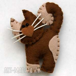 brązowy kotek - broszka z filcu - filc, kot, wąsy, broszka, dziecko, biżuteria