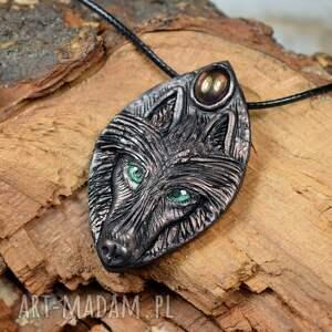 ręcznie wykonane wisiorki wisiorek wilk w ocieniach miedzi