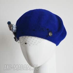 niebieski beret, wełna, woalka