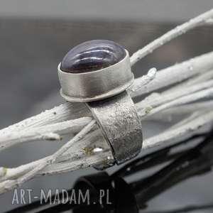 Surowy pierścionek z rubinem gwiaździstym - Emily, pierścionek, surowy, regulowany