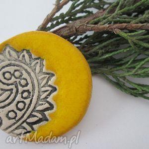 broszka etno żółta, ceramiczna, etniczna,