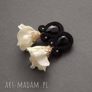 klipsy sutasz z kwiatkiem, sznurek, kremowe, sztyfty, ecru, delikatne