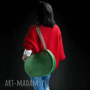 stylowa torebka w zielonym kolorze z brązowymi paskami od ladybuq art rozmiary l