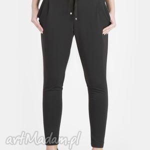 spodnie czarne, spodnie, dzianina, wiskoza, wygodne, sportowe