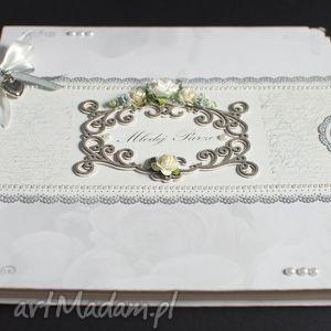 wyjątkowy album ślubny w pudełku, album, ślub, prezent, zdjęcia, pudełko