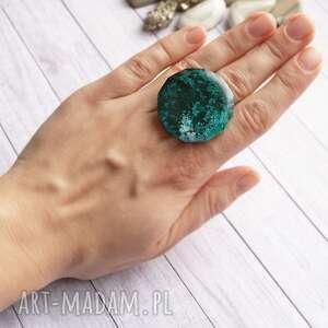 kaktusia unikatowy pierścień z żywicy inky emerald, żywica