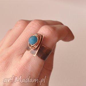 Pierścionek z oksydowanej miedzi i agatu /11/, pierścionek, pierścień, oksydowana