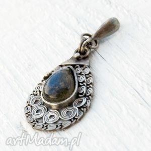 srebrny wisiorek z labradorytem a229, wisior, srebrny, kobiecy, elegancki