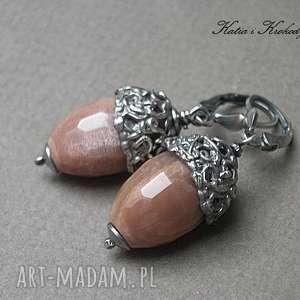Żołędzie -kolczyki , srebro, oksydowane, kamień, słoneczny, metaloplastyka