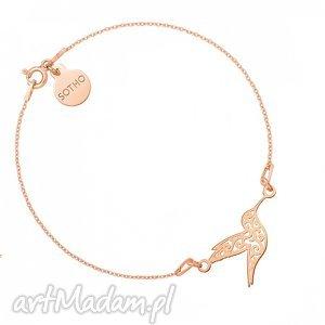 bransoletka z różowego złota z konikiem morskim - minimalistyczny
