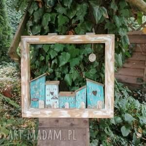 prezent na święta, ozdobne okienko z domkami, dom domek, ozdone