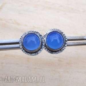 okrągłe niebieskości, srebrne kolczyki, srebrna biżuteria, kolczyki wkrętki