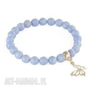chalcedony with butterfly - niebieskie bransoletki zawieszka