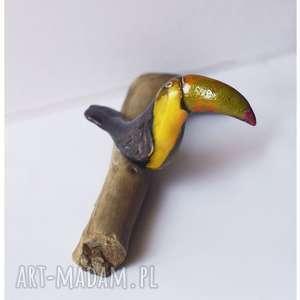 Tukan na gałęzi mniejszy, ceramika, tukan, drewno