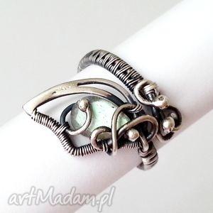 oryginalny prezent, pierścionek mglisty, pierścionek, labradoryt, delikatny