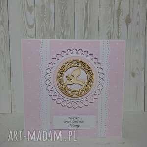 zaproszenie kartka z hostią gołąbkiem w odcieniach różu - urodziny