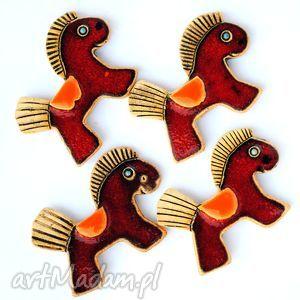 hand-made ceramika czerwone koniki - ceramiczne magnesy 4szt