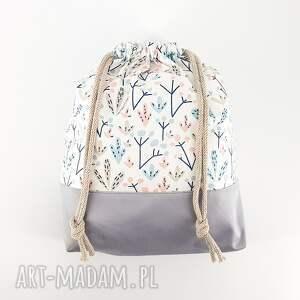 pokoik dziecka podróżny worek na bieliznę w drzewka pastelowe barwy