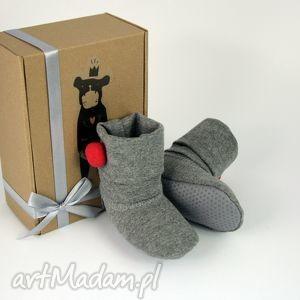 handmade buciki bambosze / hand made / czerwony pompon