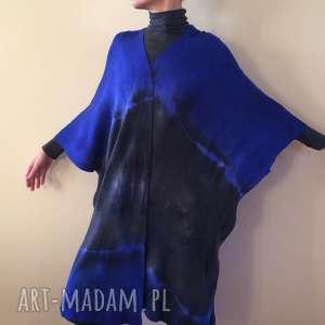 Anna Damzyn, noc polarna kardigan w formie kimona, ponczo kimono, sweter, wełna, dzianina
