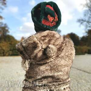 czapka sztuczne futerko zielona patchwork uniwersalna, miękka fantastyczna, box
