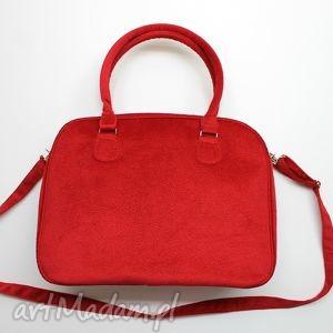 Prezent Kuferek weekend - tkanina tłoczona czerwona, elegancka, nowoczesna