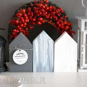 dekoracje 3 domki drewniane, domki, domek, wianki, wianek, choinka, stroik