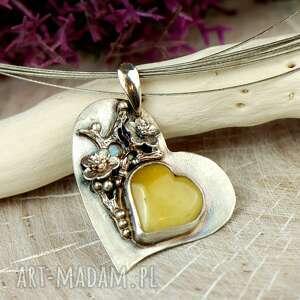 prezent na walentynki - bursztynowe serce w kwiatach a682, walentynki, wisior