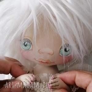 aniołek gołąbek - dekoracja ścienna figurka tekstylna ręcznie szyta i malowana