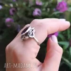 świąteczne prezenty, secret garden, ametyst, pierścionek, brylant, aniagrys