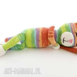 kot tęczowy szydełkowy, prytulanka, maskotka, dziecko