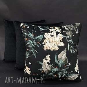 ręcznie zrobione poduszki komplet 3 poduszek welur czerń i kwiaty bzu 45x45cm