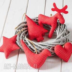 dekoracje ozdoby choinkowe czerwone w złote kropki, boże narodzenie, skandynawskie