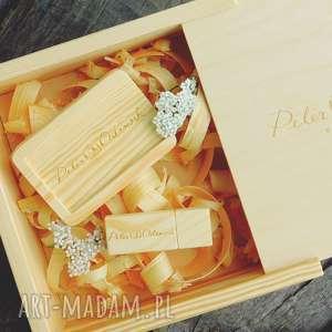 Pudełko drewniane wymiar wew. ok. 17,5 x 5,5 cm, album, pudełko, dewno
