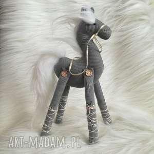 dekoracja tekstylna - konik, szyty, koń